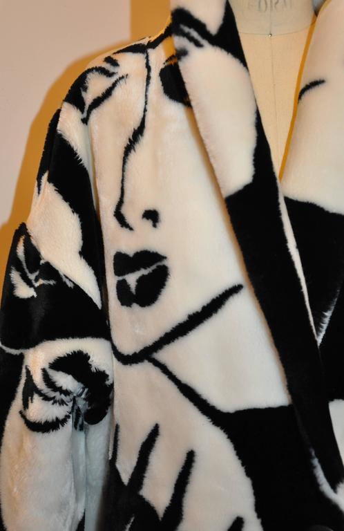"DonnyBrook Bold Black & White Abstract ""Faces"" Faux Fur Car Coat 3"