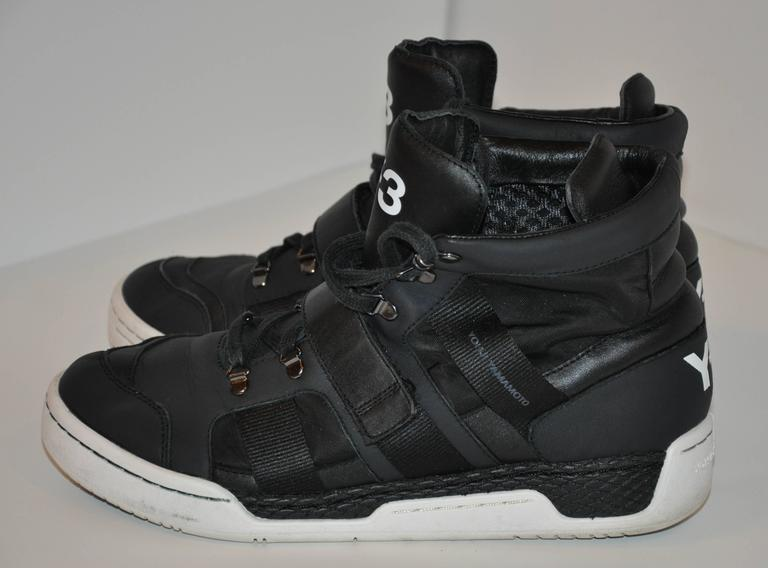 Yohji Yamamoto Black High-Top Lace-Up Sneakers In Good Condition For Sale In New York, NY