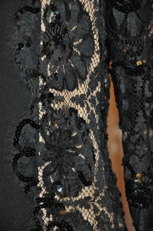 Bill Blass Black Silk Crepe di Chine & French Lace Accented Cocktail Dress In Good Condition For Sale In New York, NY