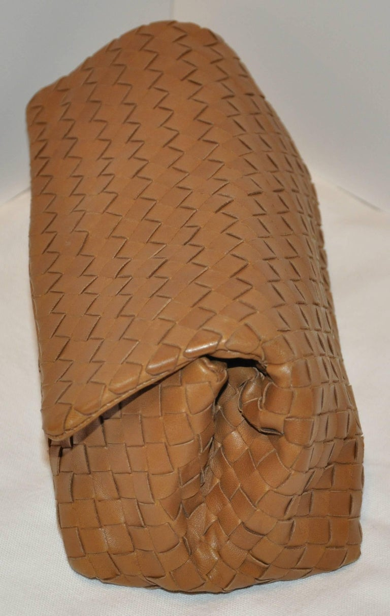 Bottega Veneta Beige Lambskin Sectional Woven Clutch In Good Condition For Sale In New York, NY