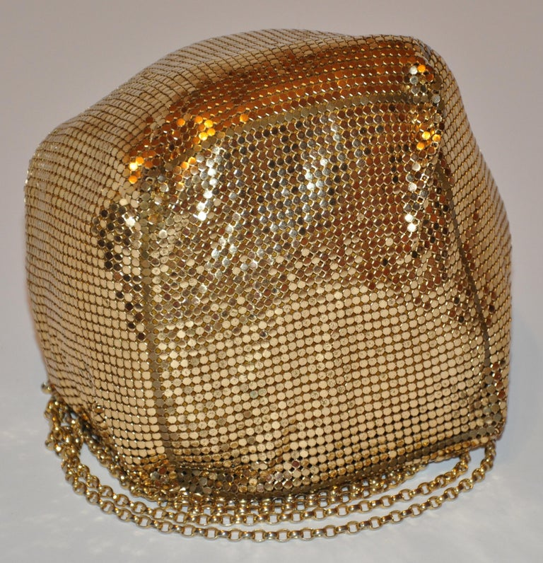 Whiting & Davis Fully Lined Gilded Gold Hardware Mesh Drawstring Evening Bag In Good Condition For Sale In New York, NY