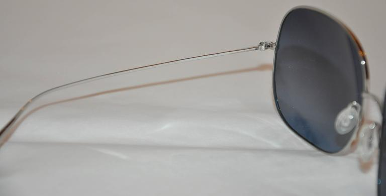 Oliver People Large Silver Hardware Sunglasses In Good Condition For Sale In New York, NY