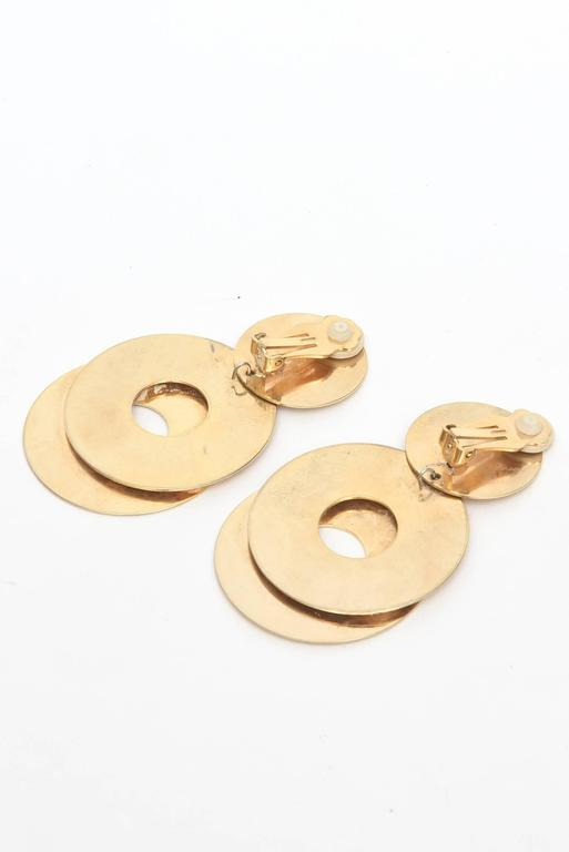 Sculptural 3-Disc Earrings  For Sale 1
