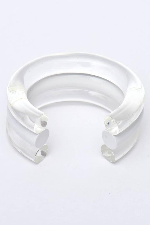Judith Hendler Lucite Clear and White Cuff Bracelet In Good Condition For Sale In North Miami, FL