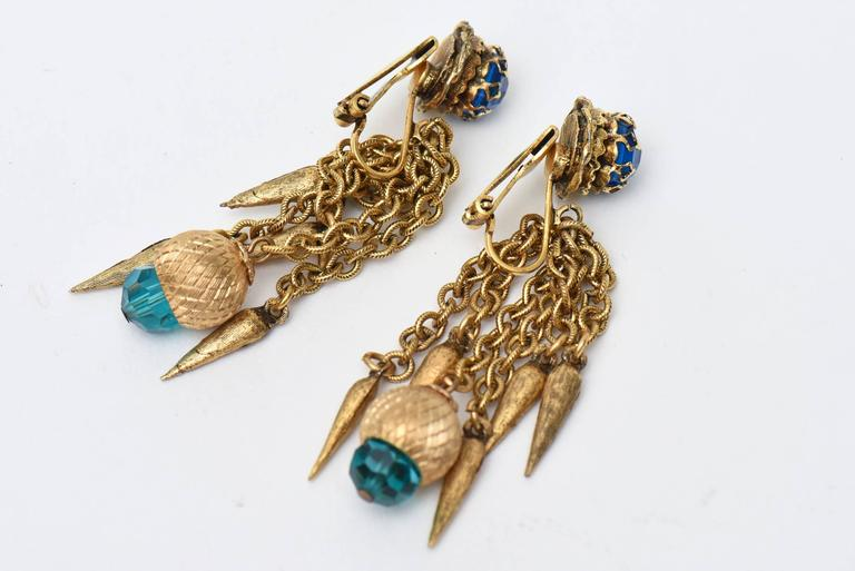 Pair of Vintage Gold Plated & Crystal Chain Dangle Clip On Earrings  For Sale 1
