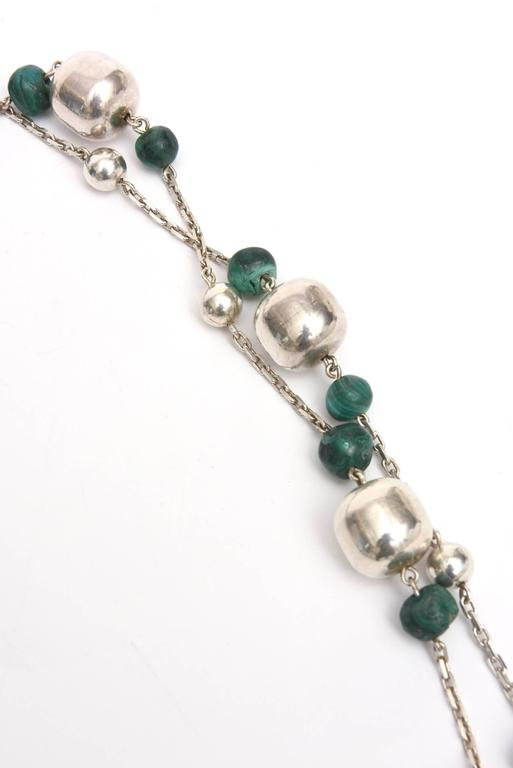 Sterling Silver and Malachite Beaded Chain Strand Necklace   For Sale 1