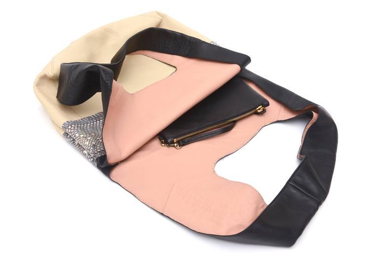 Celine Leather and Snakeskin Hobo Shoulder Bag Vintage For Sale 3