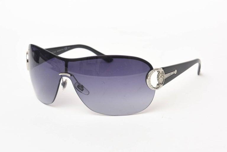 Gucci Sunglasses In New Condition For Sale In North Miami, FL