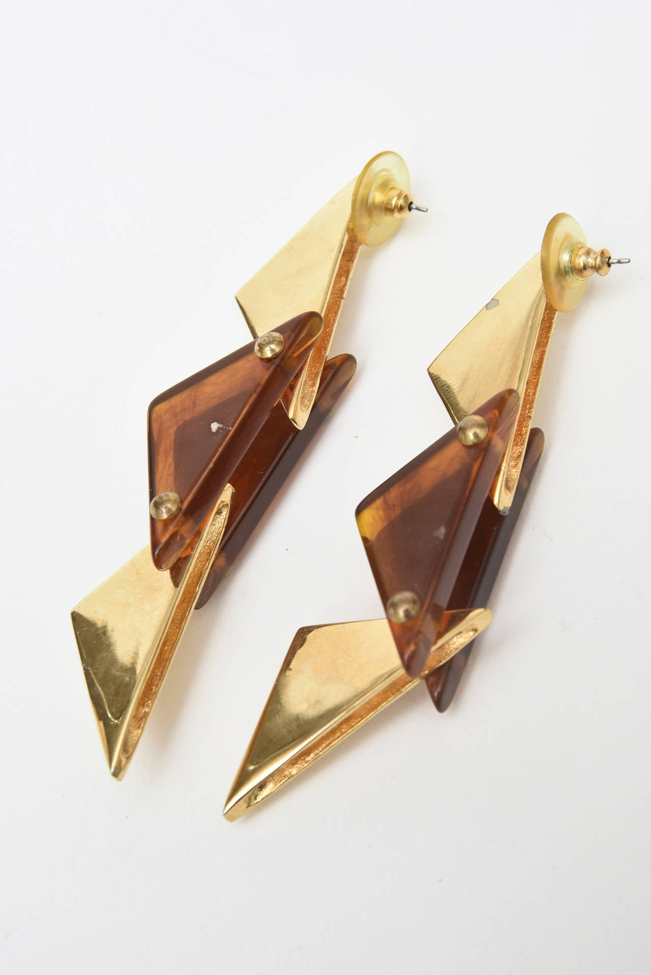 Pair of Sculputural Brass and Amber Lucite Earrings For Sale 1