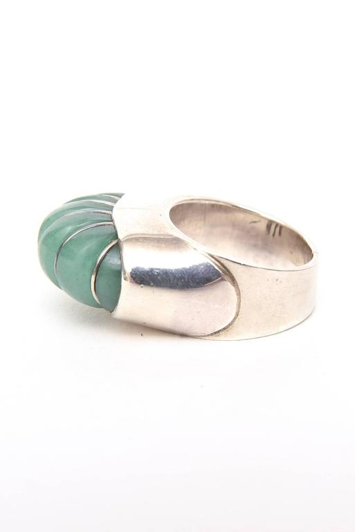 Hallmarked Sculptural Sterling Silver And Jade Dome Ring For Sale 2