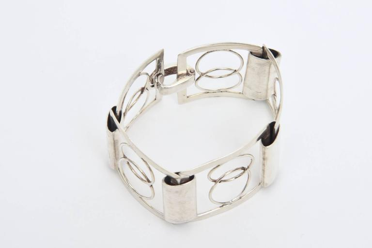Italian Sterling Silver Modernist Geometric Open Link Cuff Bracelet In Excellent Condition For Sale In North Miami, FL