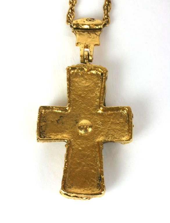 Important CoCo Chanel Personal Medieval Cruciform Pendant Necklace In Excellent Condition For Sale In Riverdale, NY