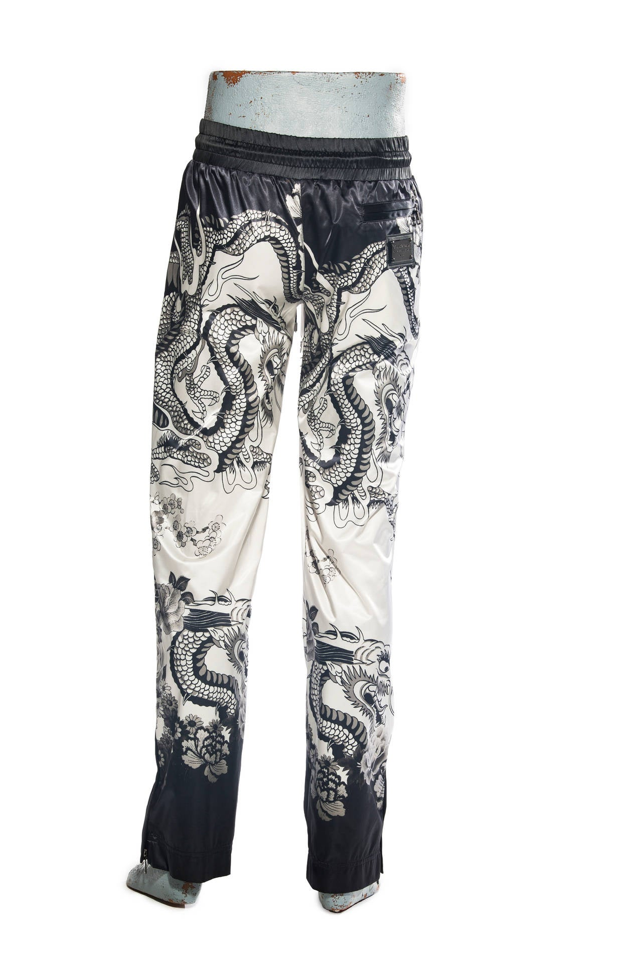 Gray Dolce & Gabbana Men's White Black Satin Dragon Print Pants, Spring - Summer 2009 For Sale