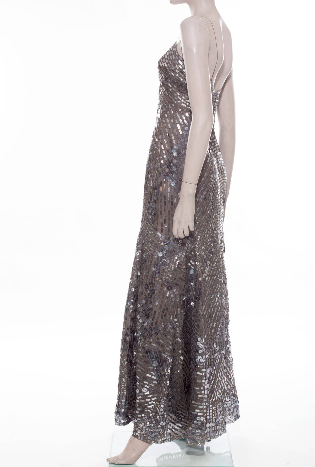 Oscar De la Renta Silk Evening Dress With Pewter Embellishments, Fall 2007 In Excellent Condition For Sale In Cincinnati, OH
