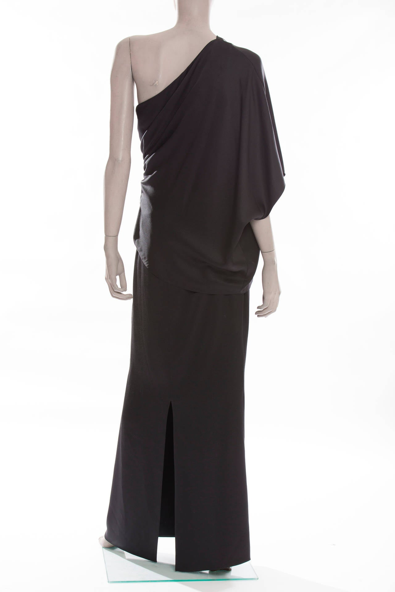 Chanel Black Silk One Shoulder Evening Dress, Cruise 2009  In Excellent Condition For Sale In Cincinnati, OH
