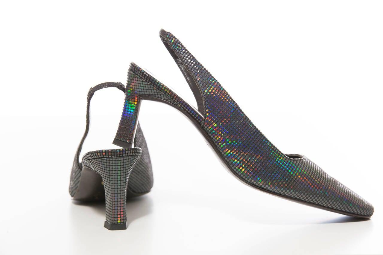 Maud Frizon, Circa 1980's navy blue iridescent suede kitten heel shoes.  EU. 36.5 US. 6.5  Heel: 2.5