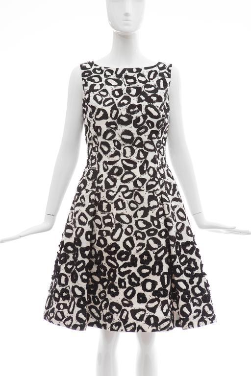 Oscar De la Renta White Silk Evening Dress Black Bead Lip Embroidery, Fall 2007 2