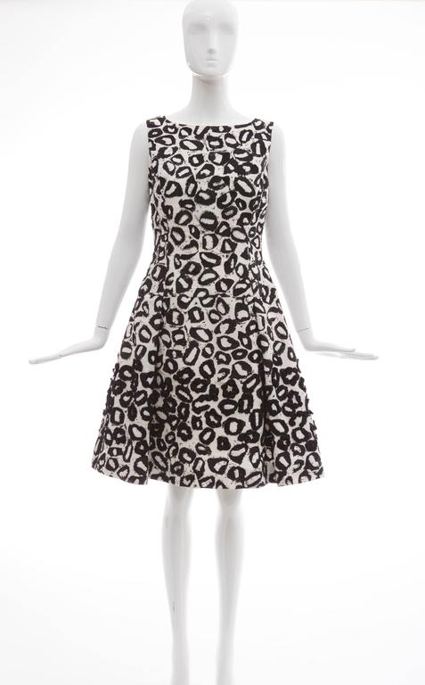 Oscar De la Renta White Silk Evening Dress Black Bead Lip Embroidery, Fall 2007 3