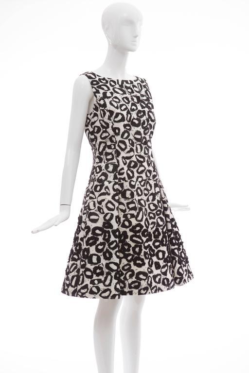 Oscar De la Renta White Silk Evening Dress Black Bead Lip Embroidery, Fall 2007 5