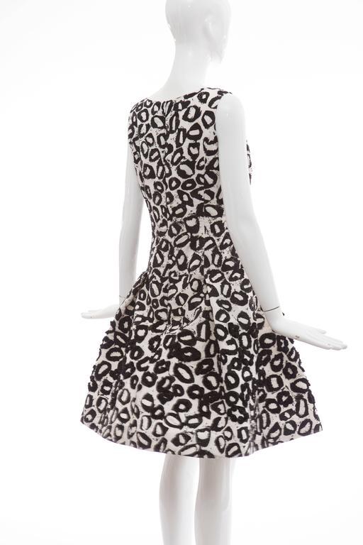 Oscar De la Renta White Silk Evening Dress Black Bead Lip Embroidery, Fall 2007 8