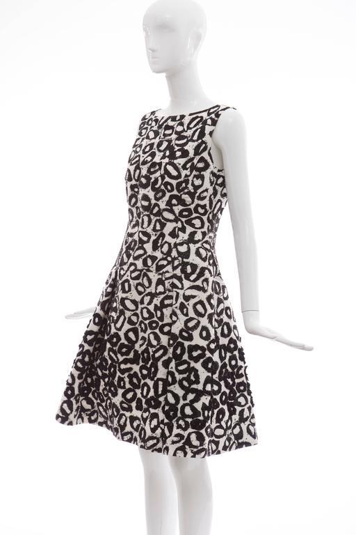 Oscar De la Renta White Silk Evening Dress Black Bead Lip Embroidery, Fall 2007 9