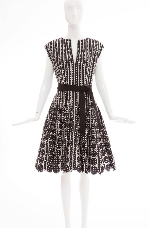 Oscar De la Renta Black Silk Faille With White Polka Dots Dress, Resort 2007 In Excellent Condition For Sale In Cincinnati, OH