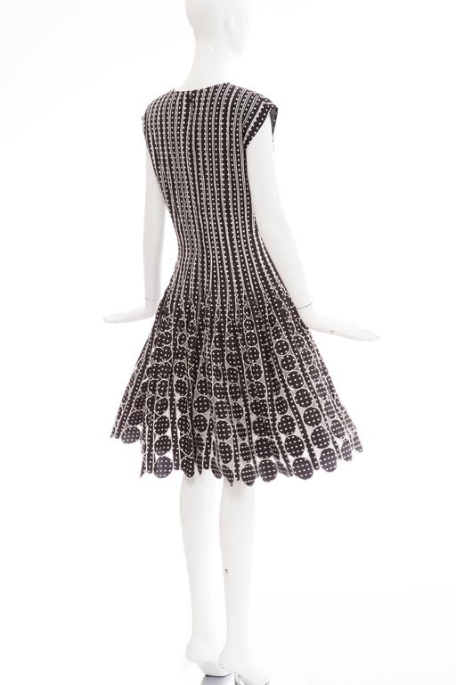 Oscar De la Renta Black Silk Faille With White Polka Dots Dress, Resort 2007 For Sale 5