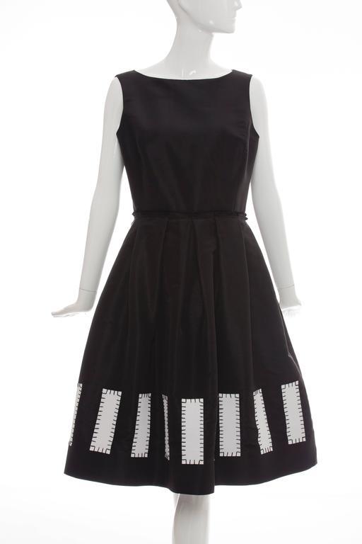 Oscar De la Renta Sleeveless Black Silk Faille Dress, Spring 2006 5
