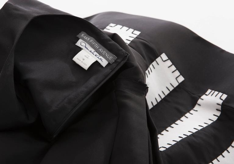 Oscar De la Renta Runway Sleeveless Black Silk Faille Dress, Spring 2006 For Sale 2