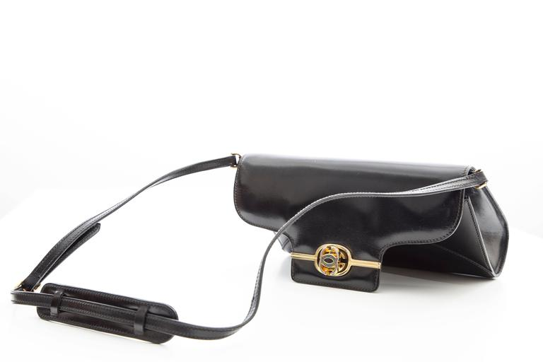 Women's Gucci Black Leather Clutch With Detachable Shoulder Strap, Circa 1970s For Sale