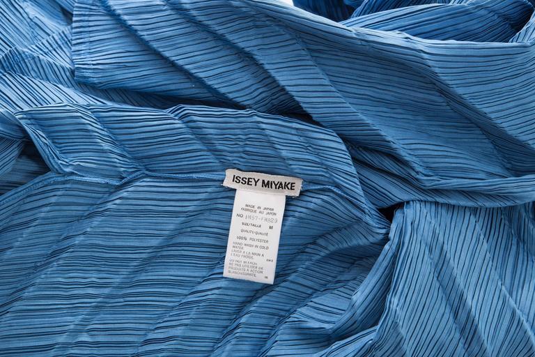 Issey Miyake Blue Pleated Polyester Sleeveless Sheath Dress, Spring 1995 8