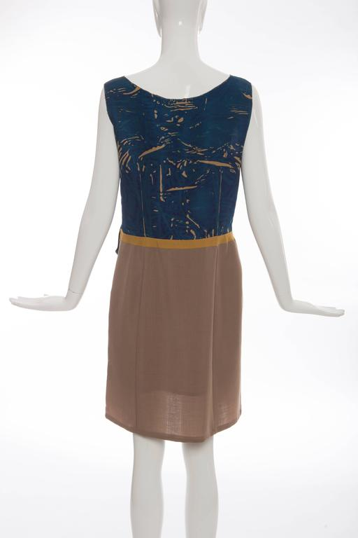 Prada Sleeveless Silk Dress With Applique Parrot Motif, Spring 2005 In Excellent Condition For Sale In Cincinnati, OH