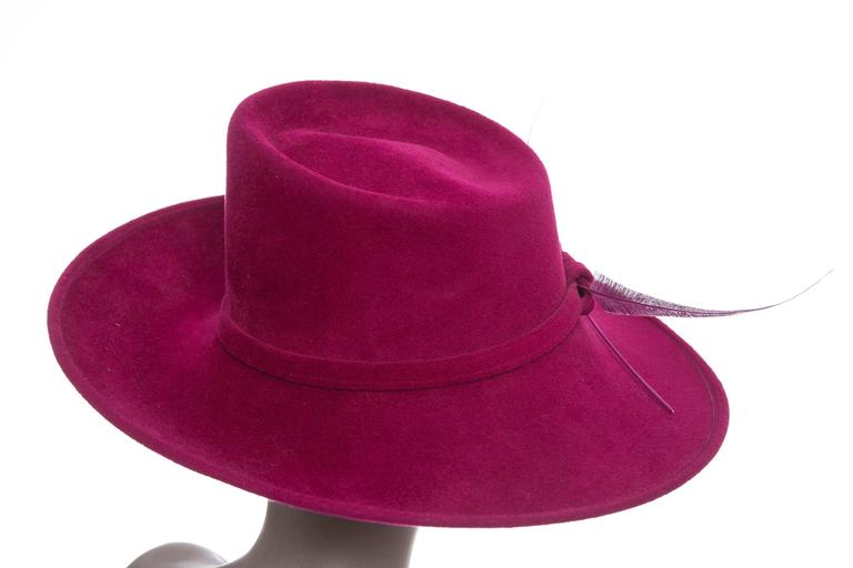 Philip Treacy Wool Felt Dress Hat With Feather Detail In Excellent Condition For Sale In Cincinnati, OH