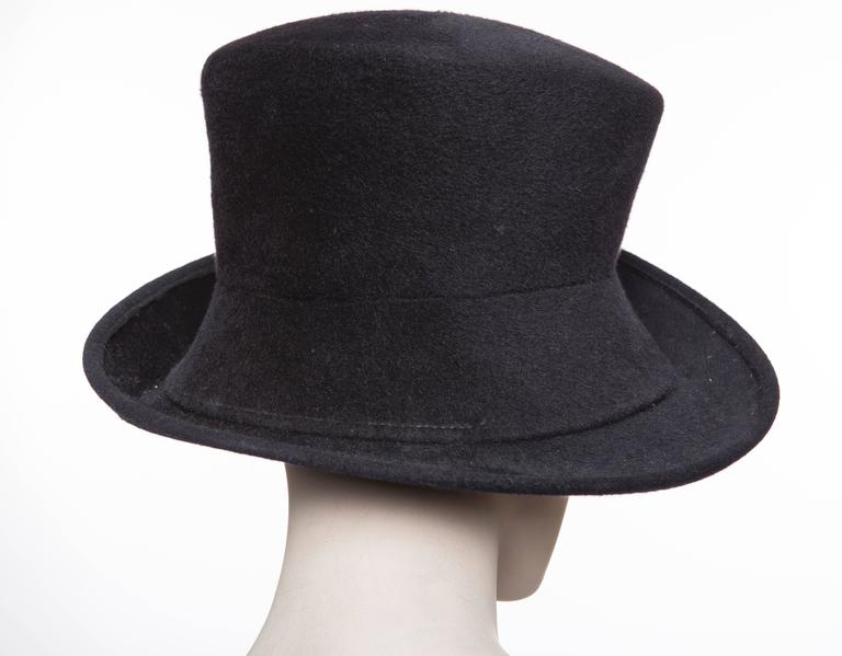 Women's or Men's Philip Treacy Navy Blue Wool Felt Hat For Sale