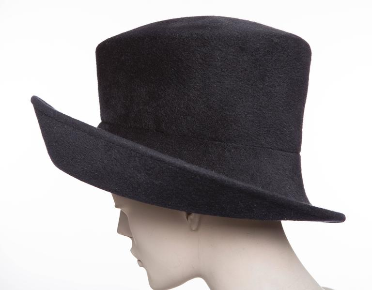 Philip Treacy Navy Blue Wool Felt Hat For Sale 1
