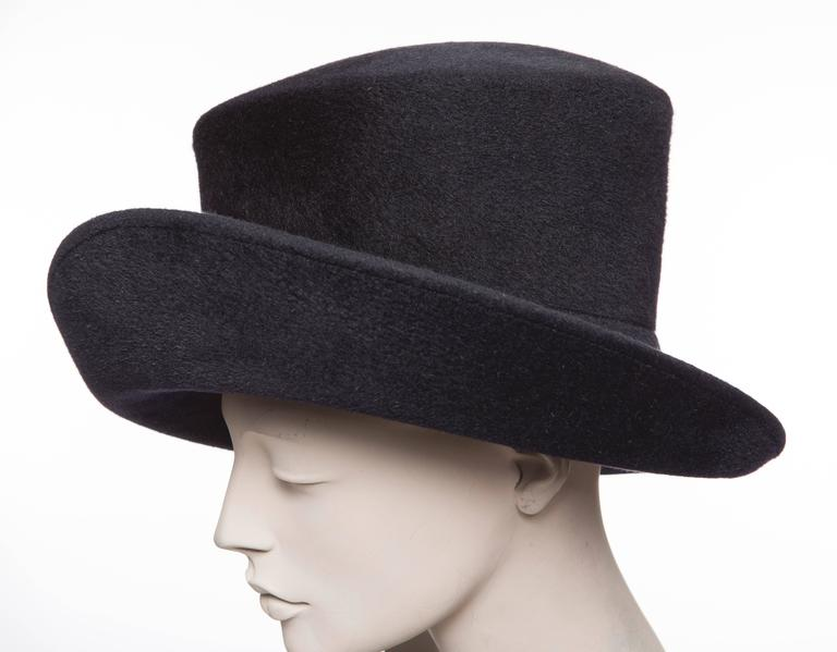 Philip Treacy Navy Blue Wool Felt Hat For Sale 2