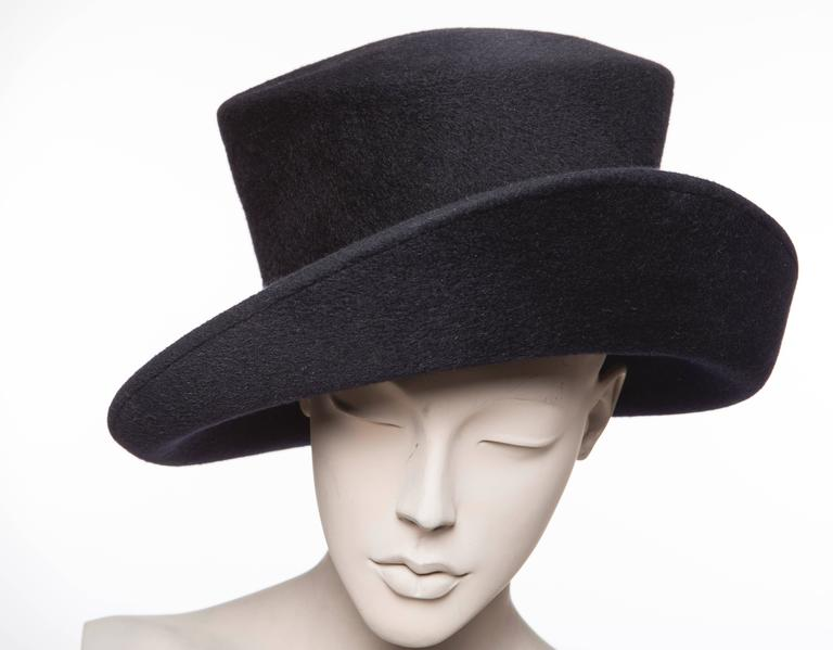 Philip Treacy Navy Blue Wool Felt Hat For Sale 4