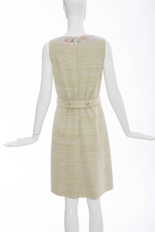 Chanel Wool Tweed Dress Clear Paillettes & Bead Embroidery, Autumn - Winter 2001 In Excellent Condition For Sale In Cincinnati, OH