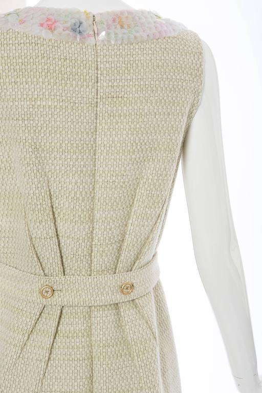 Chanel Wool Tweed Dress Clear Paillettes & Bead Embroidery, Autumn - Winter 2001 For Sale 3