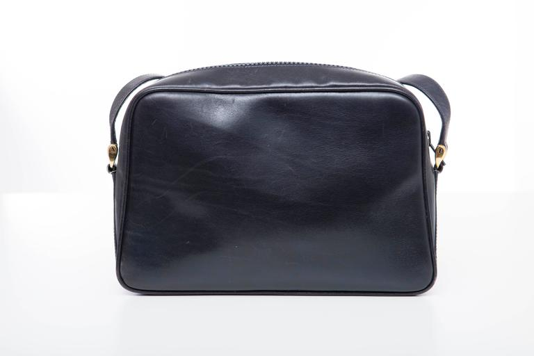 Gucci Navy Blue Leather Crossbody Bag With Detachable Wallet, Circa 1970's For Sale 1