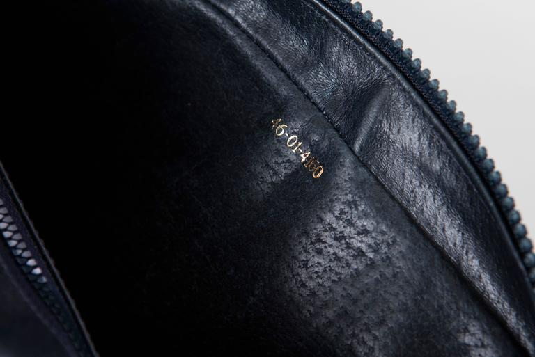 Gucci Navy Blue Leather Crossbody Bag With Detachable Wallet, Circa 1970's For Sale 5