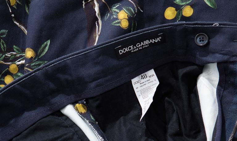 Dolce & Gabbana Men's Black Printed Birds Lemons Cotton Shorts, Spring 2016 8