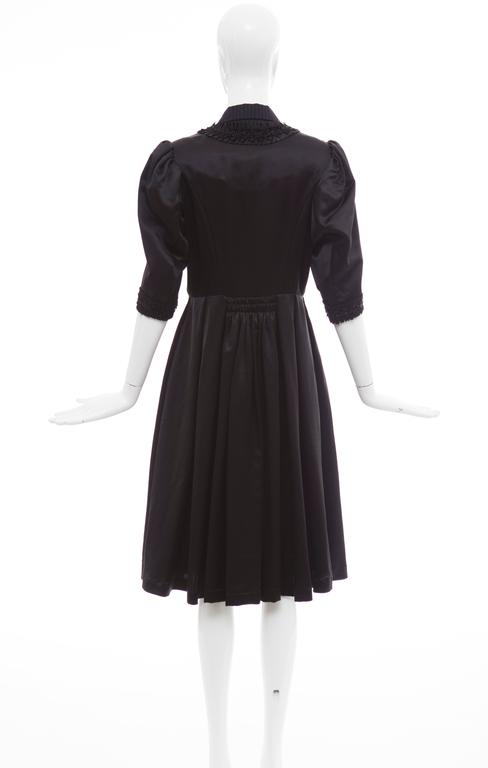 Comme Des Garcons Navy Black Wool Silk Satin Embroidered Dress, Fall 2006 In Excellent Condition For Sale In Cincinnati, OH