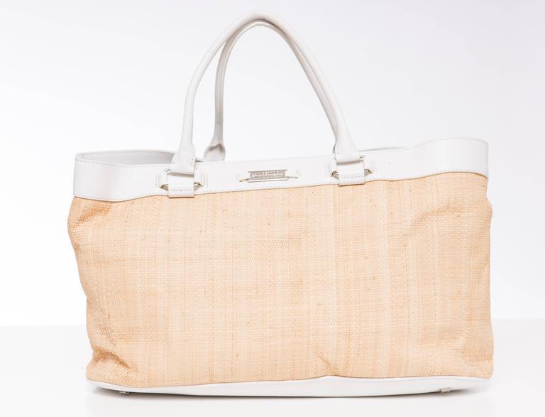 Lambertson Truex Embroidered Raffia Handbag With White Leather Trim In New Condition For Sale In Cincinnati, OH