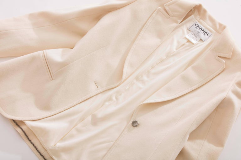 Chanel Cream Wool Button Front Jacket,  Pre - Fall 1998 For Sale 4