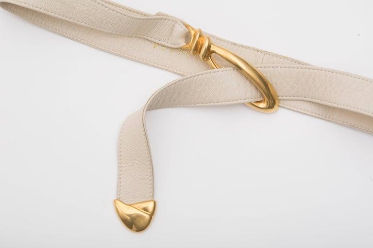 Beige Donna Karan Cream Leather Belt With Robert Lee Morris Buckle, Circa 1980's For Sale