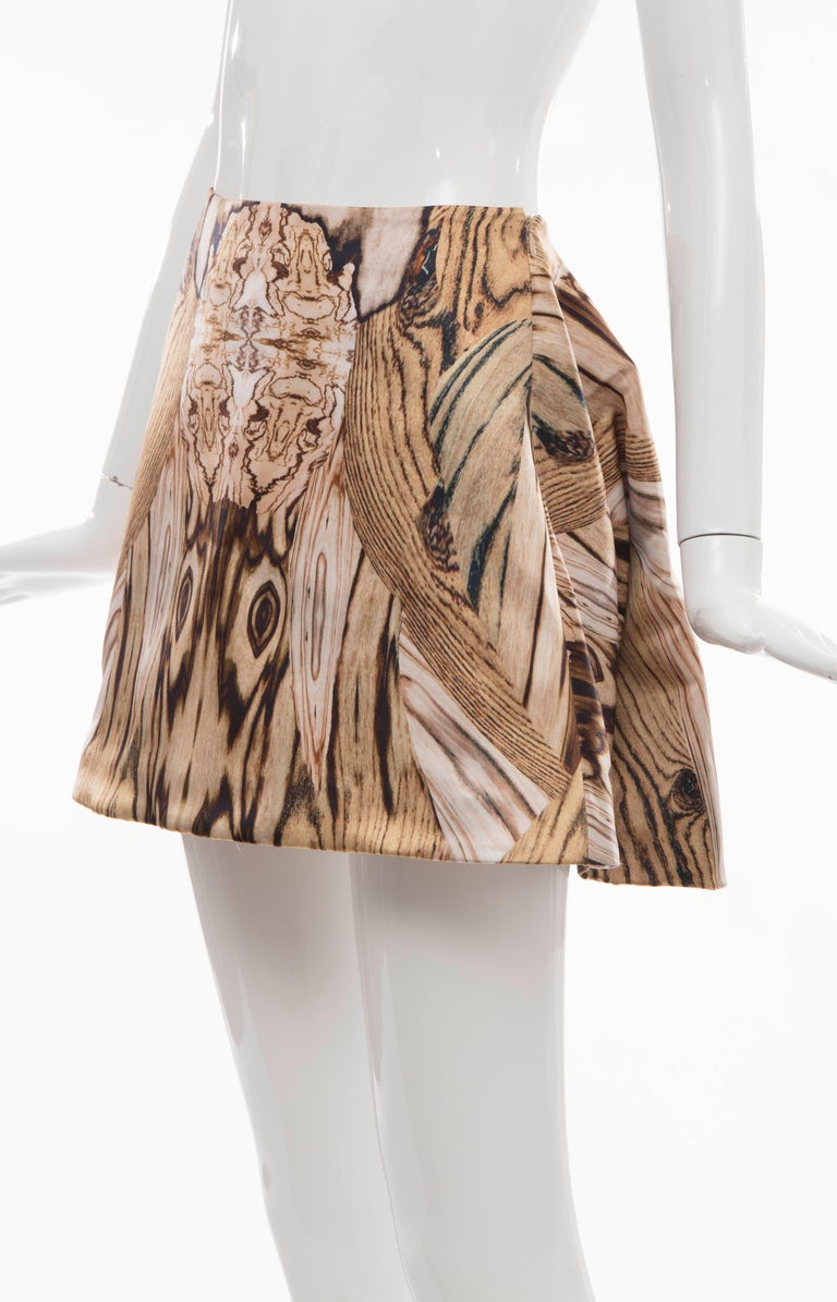 Alexander McQueen Silk Wood Grain Digital Print Mini Skirt, Spring 2009 In Excellent Condition For Sale In Cincinnati, OH