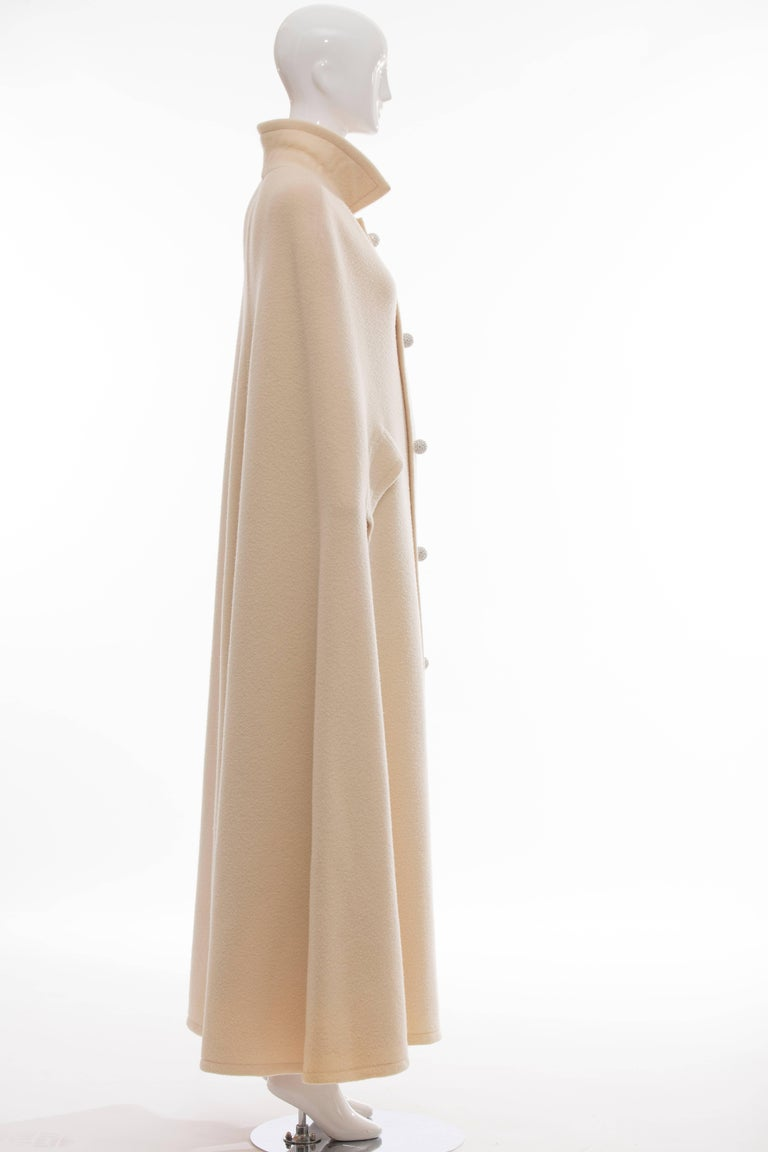 Christian Dior Haute Couture By Marc Bohan Cream Wool Cape, Autumn - Winter 1966 For Sale 2