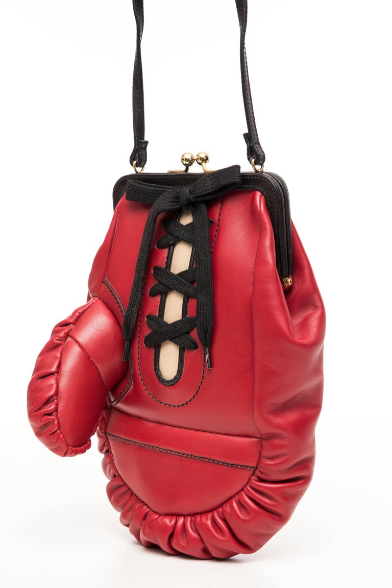 Moschino Red And Black Leather Boxing Glove Handbag, Spring 2001 In New Condition For Sale In Cincinnati, OH