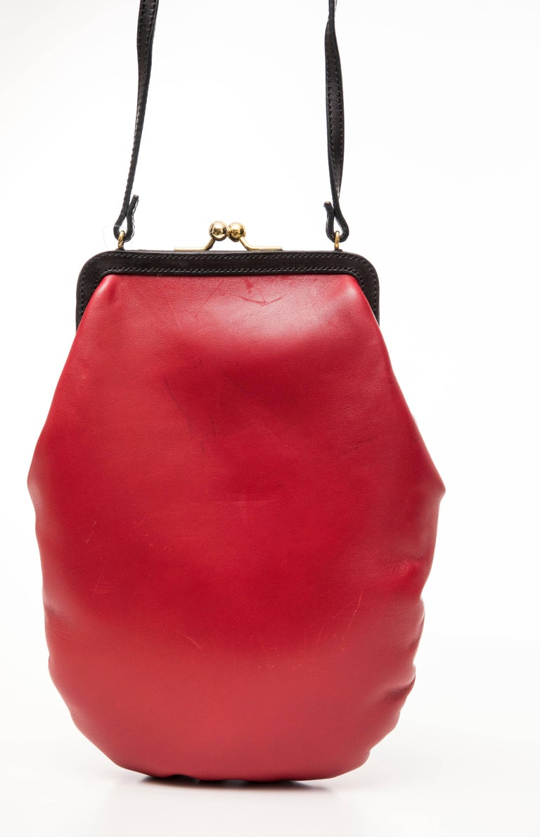 Moschino Red And Black Leather Boxing Glove Handbag, Spring 2001 For Sale 3